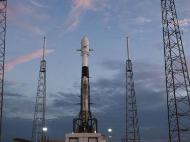 Watch SpaceX launch a Falcon 9 loaded with internet satellites at 11 PM ET