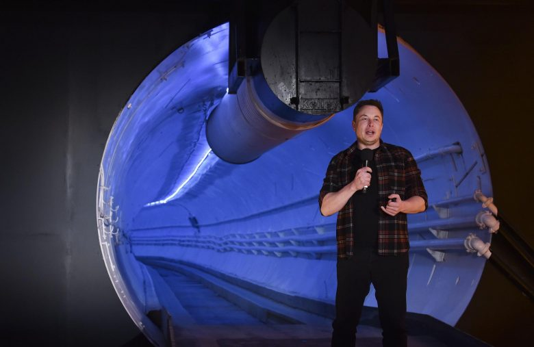 Elon Musk's Science Projects Are Killing Tesla Stock, Warns Analyst