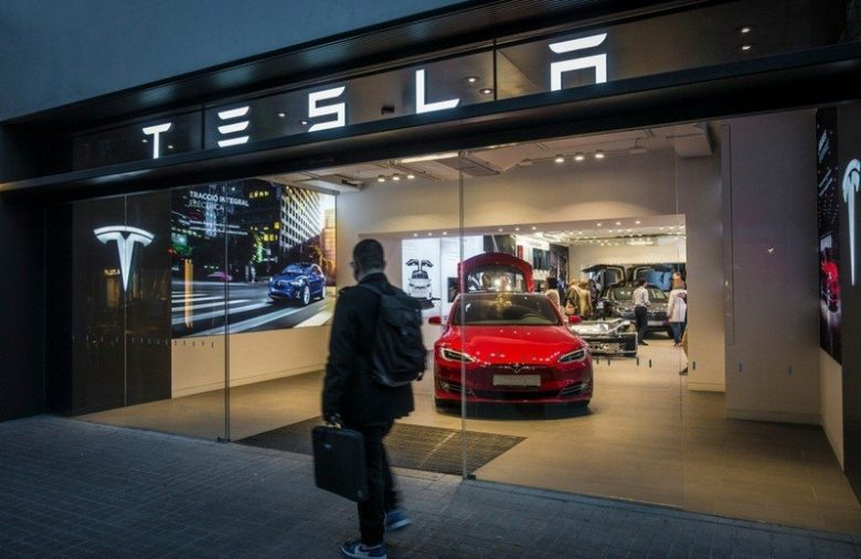 Tesla Suffers Blow After Analyst Warns Demand 'Likely Not Sustainable'