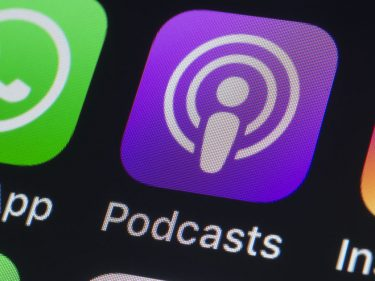 Apple is reportedly planning to pay for exclusive podcasts