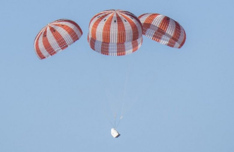 SpaceX shows off a highlight reel of Crew Dragon parachute tests