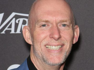 Blizzard co-founder Frank Pearce is leaving the gaming company