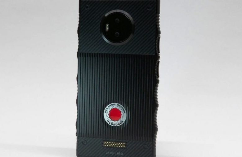 RED blames Chinese manufacturer for its phone's terrible camera