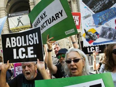 Analysis: 'White Guilt' Steers Democrat Support for Uncontrolled Immigration