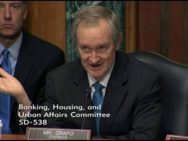 us-senator:-even-if-we-wanted-to,-we-couldn't-ban-bitcoin