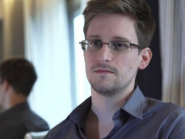 Edward Snowden to Reveal How Social Media Spies on Users