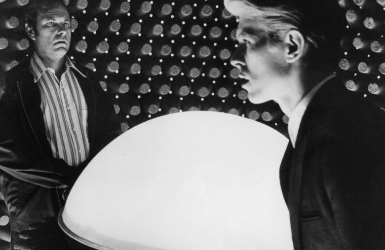 'The Man Who Fell to Earth' will get a TV remake on CBS All Access