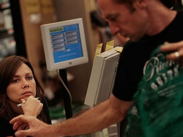 NYC Businesses Cut Staff, Raise Prices Due to $15 Minimum Wage