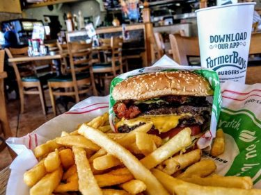 'Bacon Intern' Wanted at CA Burger Chain & It Pays $125 an Hour