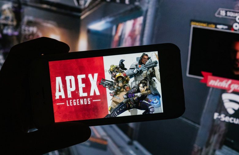 Apex Legends Devs Lash Out at Player. That's Flipping Great