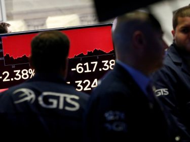 Dow Crashes 550 Points, Erases Weekly Gains in 15 Brutal Minutes
