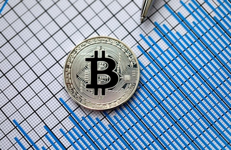 bitcoin's-the-only-'crypto-with-real-value':-anti-altcoin-analyst