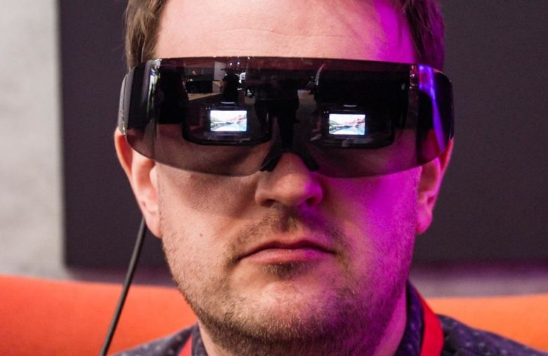 TCL is experimenting with a personal cinema visor