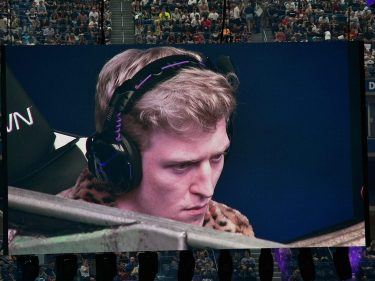 Fortnite Star Tfue Pauses Streaming After Racial Slur Controversy – CCN.com