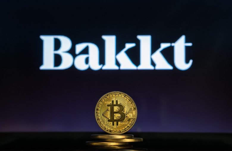 bitcoin-dumps-below-$10,000-despite-game-changing-bakkt-launch