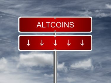 altcoins-crash-to-six-month-lows-as-fears-of-'crypto-winter'-return