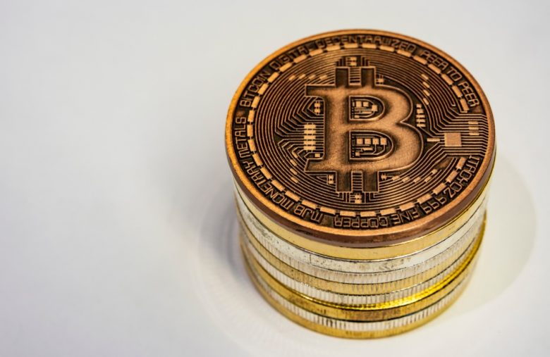 infamous-crypto-analyst-gets-mocked-after-charging-$2,400-per-hour
