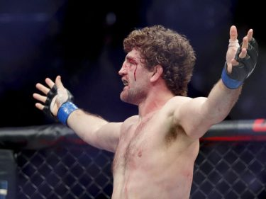 ufc-fighter-ben-askren-shills-bitcoin,-gets-roasted-by-'twitter-geniuses'