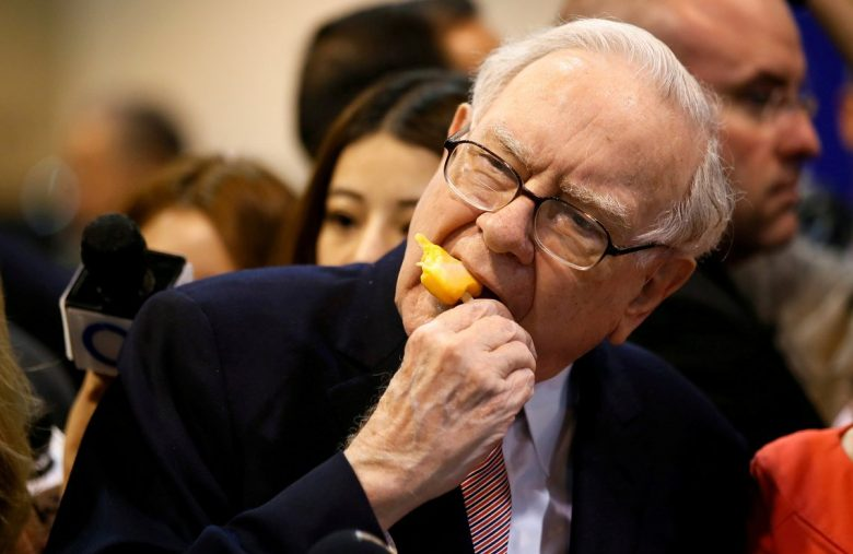 3 Stocks Warren Buffett Should Buy Before the Market Starts Crashing