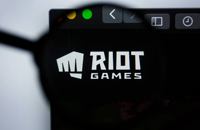 LoL Creator Riot Games Stamps Serious Attempt to Dethrone Blizzard