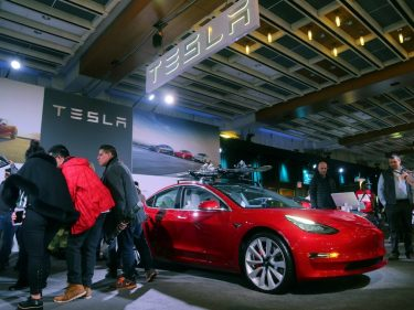 Red-Hot Tesla Stock Will Run Out of Road, Warns Former Goldman Analyst