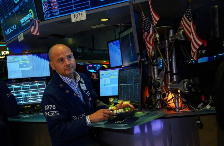 Dow Futures Sweat as China Hesitates Trump High-Five on Major Trade Issue