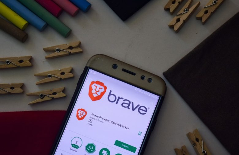 Crypto Browser Brave Hits 8 Million Users Milestone, Trumpets 'Everipedia' Partnership