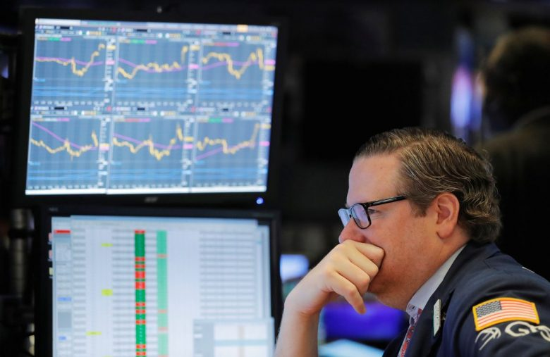 Dow Snaps Out of Rut as Economy Survives Another Crucial Test