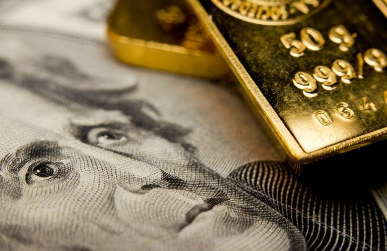 What Gold's Price Plunge Tells Us About the Record-High Stock Market