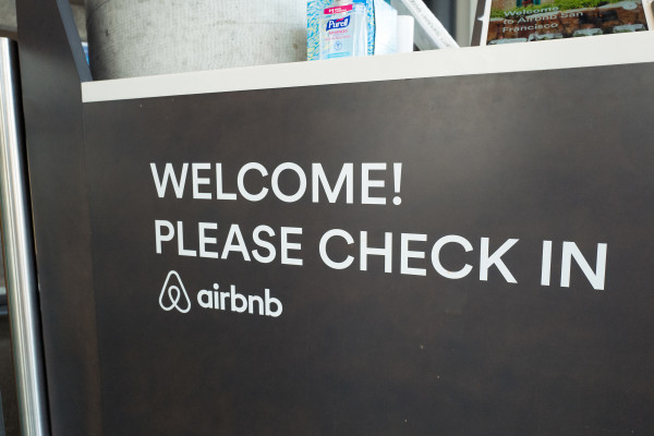 Startups Weekly: Airbnb's growing pains