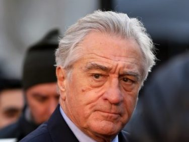 Robert De Niro: Impeachment Must Proceed Because Trump 'Has to Pay'