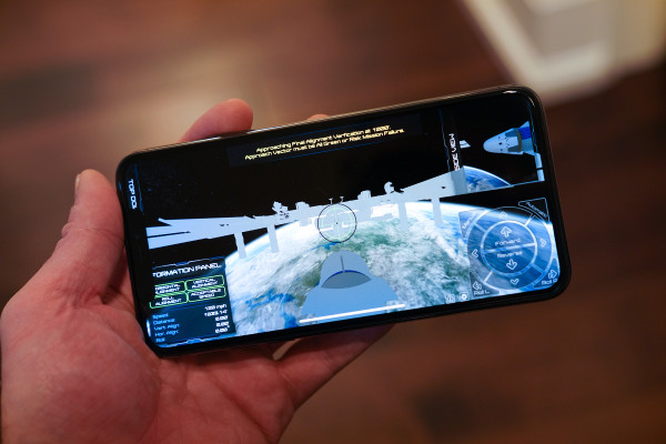 New NASA app puts you in the pilot's seat of Boeing's Starliner or SpaceX's Crew Dragon