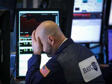 Dow Teeters as Trade War Doubts Throw Stock Market into Disarray