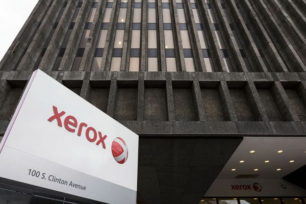 Xerox tells HP it will bring takeover bid directly to shareholders