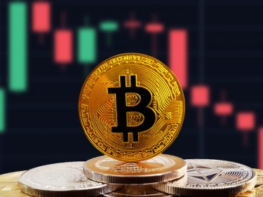 easing-trade-tensions-could-crash-bitcoin-further-as-stocks-steal-the-spotlight