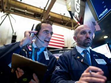 Dow Futures Swing Higher Amid Confidence Over Pro-US Trade Deal