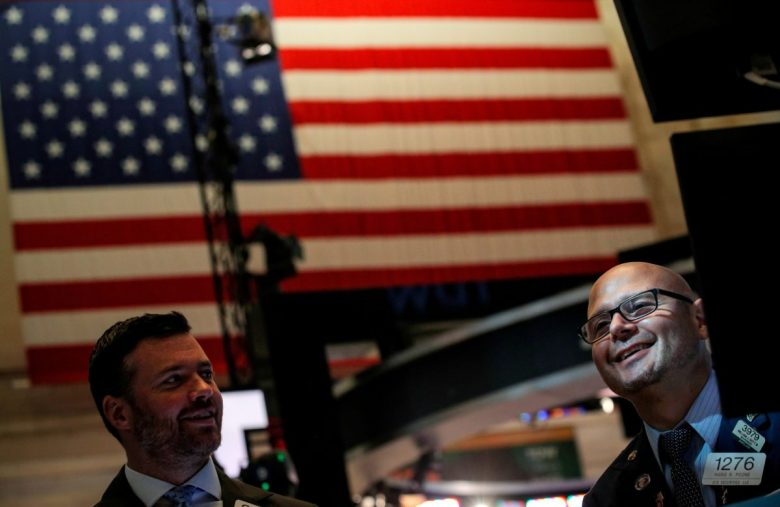Dow Rally Frenzy Grips as Cash Holdings Sink to 6-Year Lows