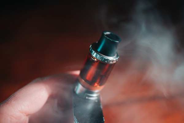 Vape lung is on the decline as CDC report fixes blame on oily additive