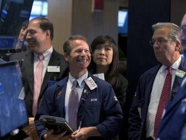 Dow Futures Roll Higher as Trade and Economy Signal Green