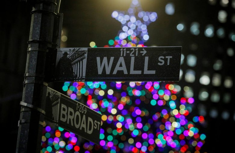 Dow Beats the Holiday Blues After Christmas Sales Smash Records