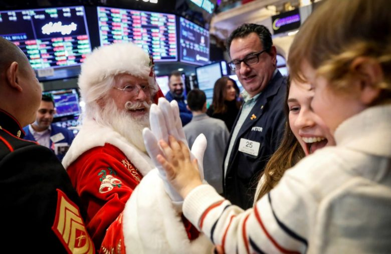 Dow Futures Ignores Grinch Warnings to Continue Christmas Rally