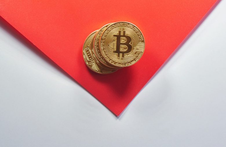 Bitcoin, a Pyramid Scheme? Pick Up Those Blocks and I'll Tell You