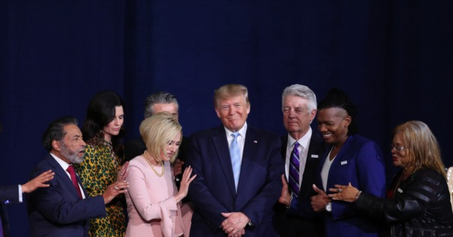 Donald Trump Rallies Evangelicals in Florida–'We Have God on Our Side'