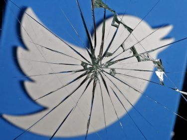 Twitter's Reply-Limiting Feature Will Trap Us in a Fake News Nightmare