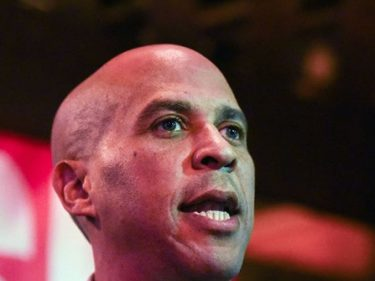 Cory Booker Attributes Critiques of Elizabeth Warren's Dancing to Sexism