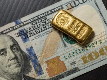 3 Reasons Ray Dalio's Hedge Fund Is Betting on a 30% Gold Price Surge