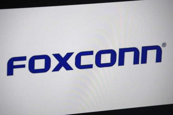 "Foxconn and Fiat Chrysler partner to develop EVs and an ""internet of vehicles"" business"