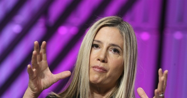 Mira Sorvino Calls Out Harvey Weinstein, Bill Cosby, 'Predators' in Hollywood at Women's March