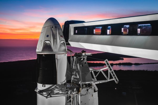 First crewed SpaceX Dragon spacecraft launch could happen in Q2 this year
