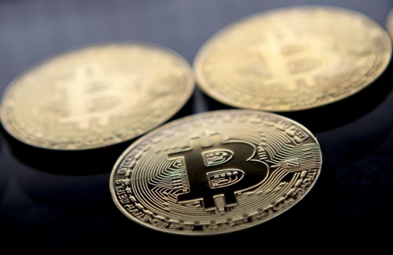 coronavirus-infects-gold-and-bitcoin:-both-assets-poised-for-risk-off-break-outs